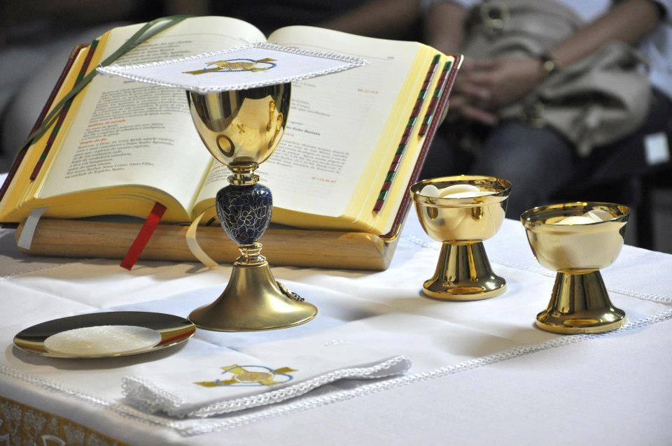 Da mesa da Palavra à mesa da Eucaristia