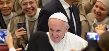 Papa-com-consagrados