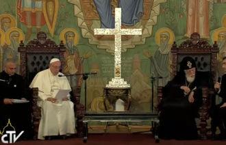 papa-na-georgia_encontro-com-patriarca