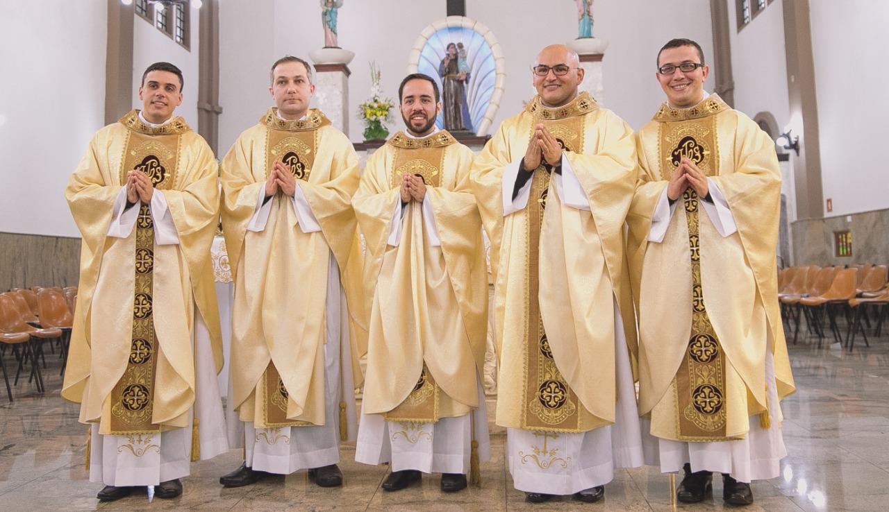 Homilia Ordenação Presbiteral de Cinco Diáconos – Diocese de Santo ...